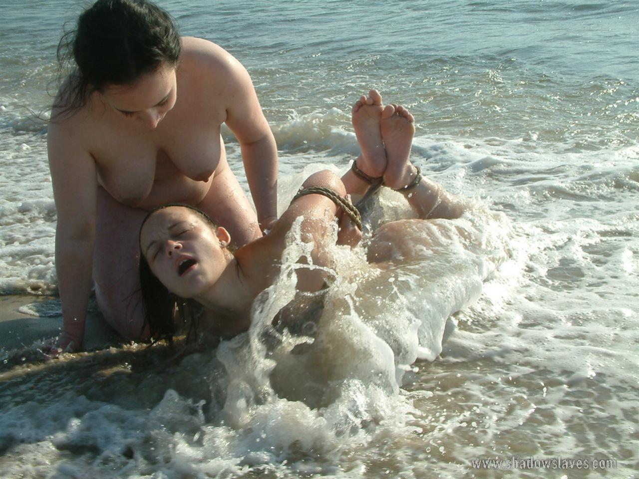 elizabet-olsen-foto-golaya-nude-naked
